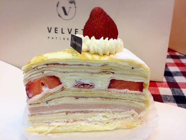 法絨法式手工甜點 velvet patisserie | 草莓季才會有的限量草莓千層,一天只有16片! 連食尚玩家都來啦~| 外帶品嚐版