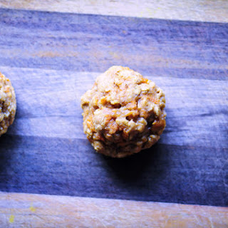 Gluten Free Carrot Cake Oatmeal Cookies.