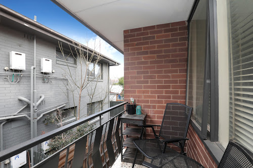 Photo of property at 5/5 Leila Road, Ormond 3204