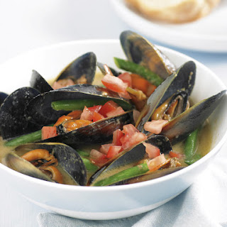 Mussels in Asian Coconut Broth.