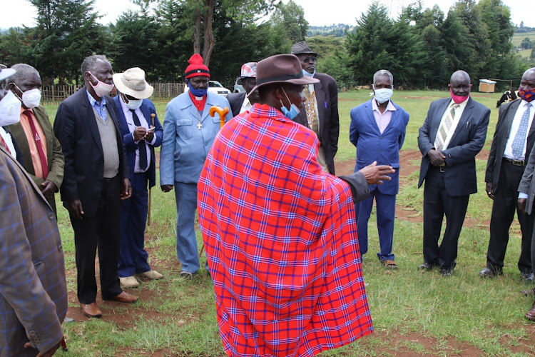 Announcement that Tugen elders handed over instruments of power given to President Moi, on September 17.