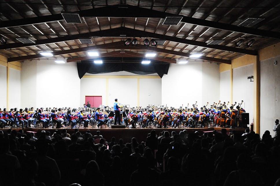 La Sinfónica Nacional Infantil de Venezuela completó su itinerario por la región central del país, con su presentación en el teatro Rafael Zárraga de Cocorote, estado Yaracuy, para ofrecer un concierto especial, como parte de la agenda nacional que recorre el país y que concluirá el Día del Niño, 19 de julio, en Caracas