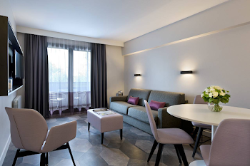 Trocadero Serviced Apartment, Champs Elysee