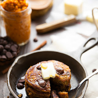 {Healthy + Flourless} Pumpkin Pancakes
