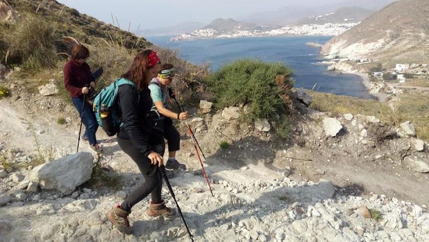 El senderismo es una actividad muy arraigada en Almería.