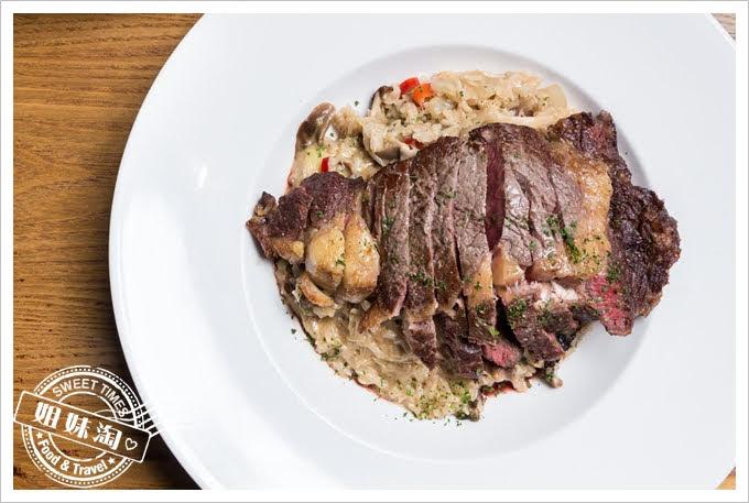 義食光牛肝菌沙朗牛排燉飯