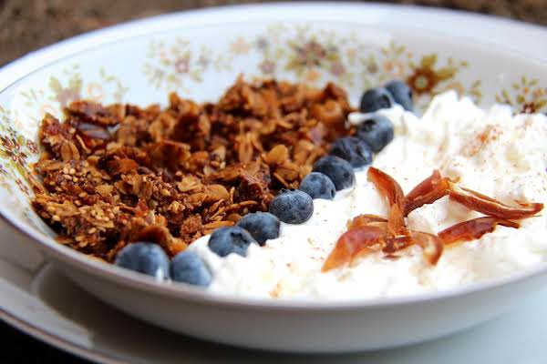 Granola With Sesame Seeds And Dried Dates