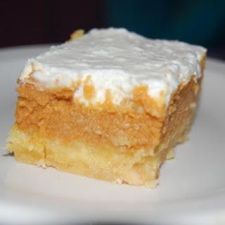 JUJU'S PUMPKIN CRUNCH CAKE