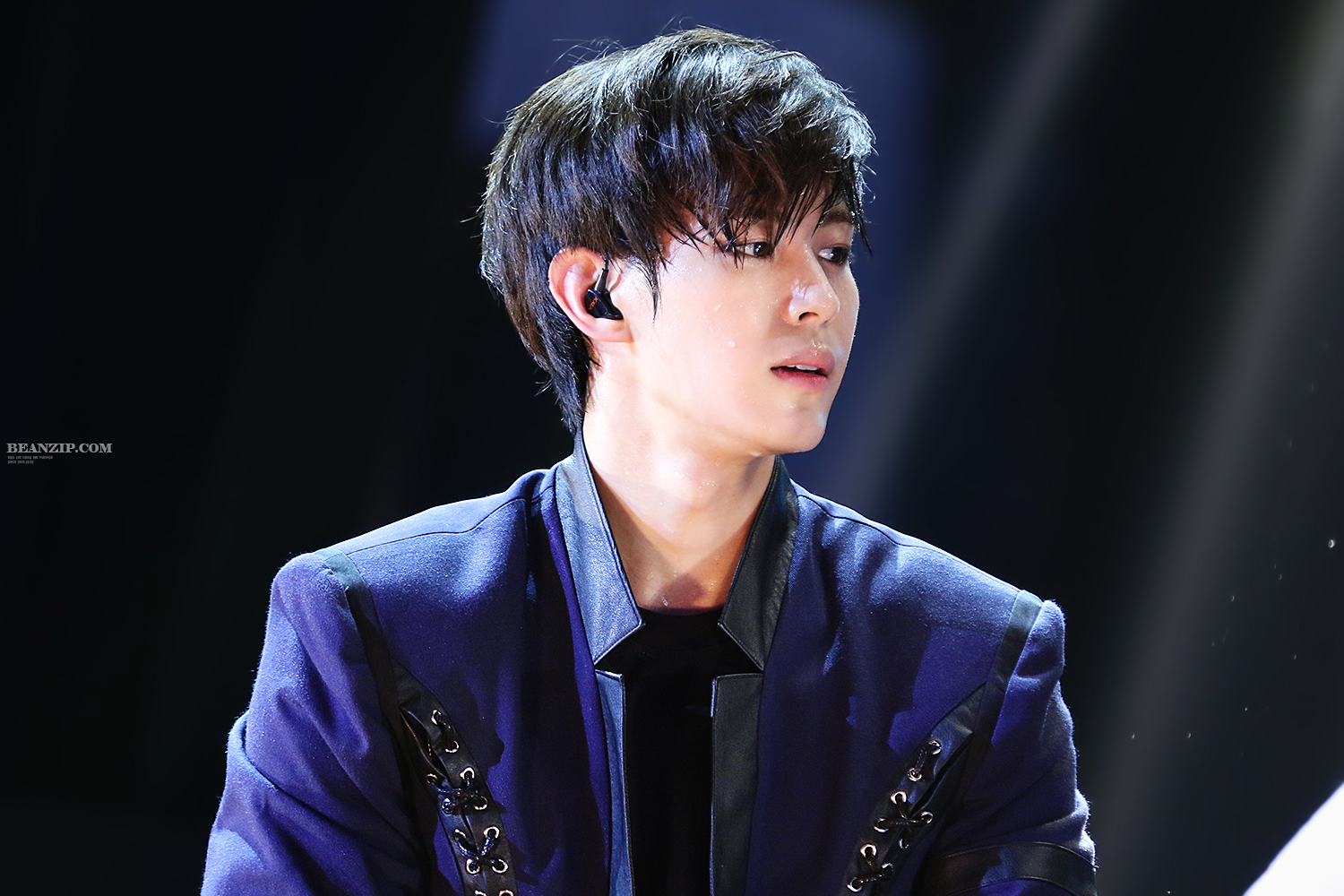hongbin sweat 2