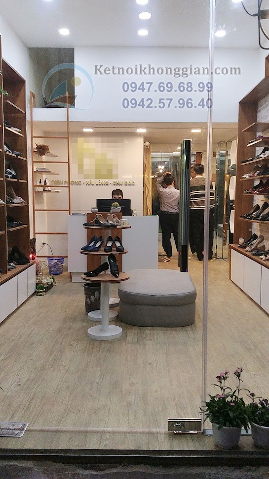 nội thất sáng tạo thi công shop giày dép đẹp lung linh