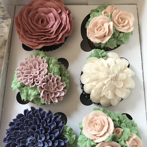 My gorgeous bridal shower cupcakes