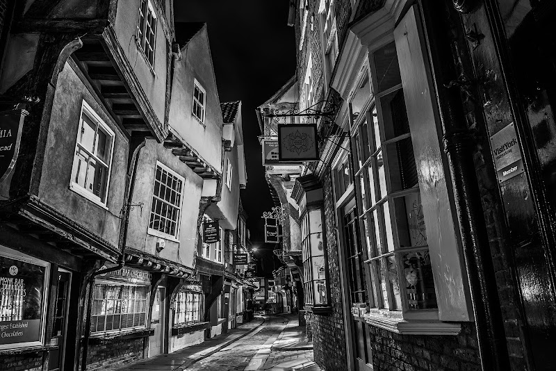 Old Streets di OctavPhoto