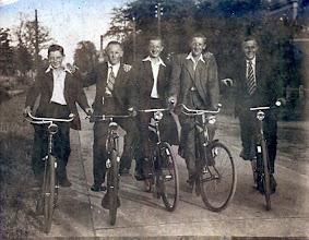 Photo: v.l.n.r. Jan Tienkamp, Hendrik Martens, Hendrik Witting, Jan Wilms en Hendrik Homan