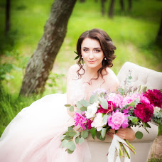 Wedding photographer Oksana Kolesnikova (KolesnikovaKsy). Photo of 31.05.2016