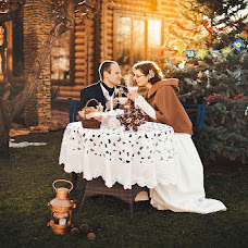Wedding photographer Oksana Novosadova (Oks-FOX). Photo of 07.01.2013