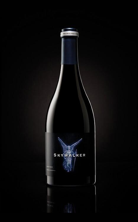Logo for Skywalker Vineyards - Sommita