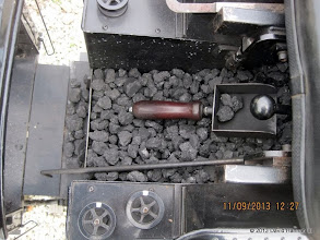 Photo: Coal scoop in #9100.     HALS / SWLS 2013-1109  DH3