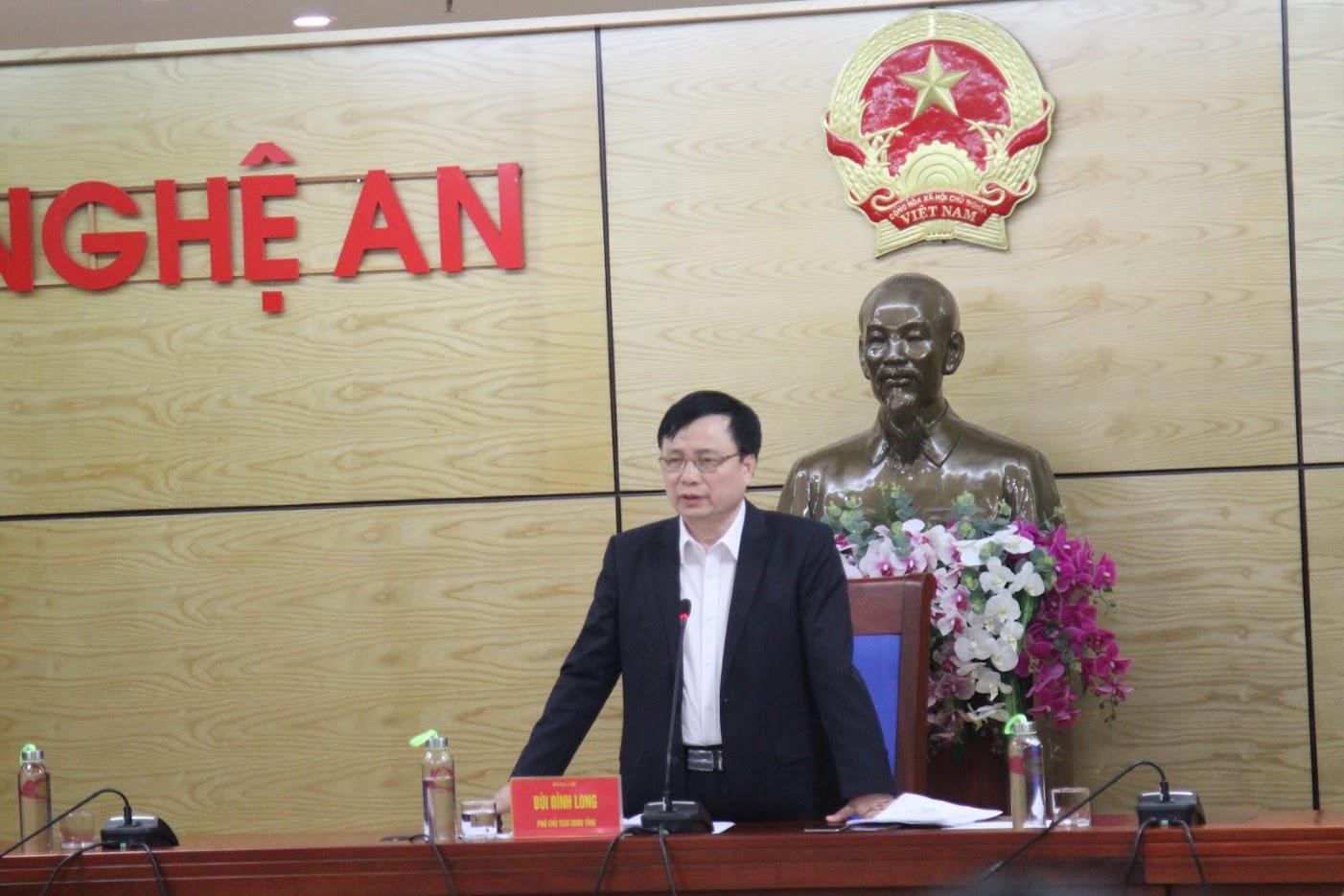 Đồng chí Bùi Đình Long – Phó Chủ tịch UBND tỉnh Nghệ An chủ trì buổi họp