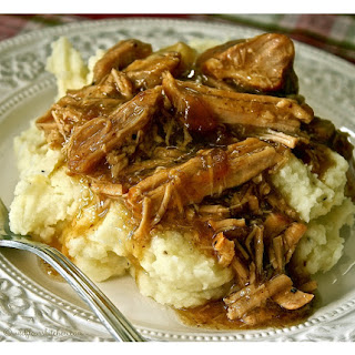 Slow Cooker French Onion Pulled Pork & Gravy.