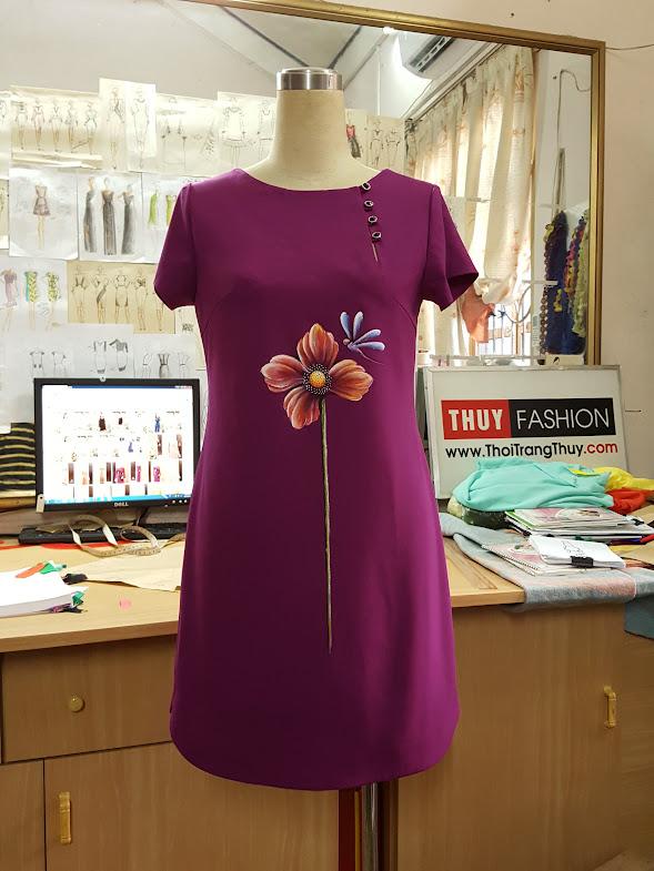 Váy vẽ tay họa tiết hoa với kiểu váy suông V404 Thời Trang Thủy