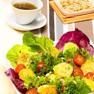 Picatta Knödellese mit Blattsalaten in Pinienkerndressing (von Ralf Zacherl)