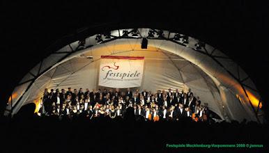 Photo: Festspiele Mecklenburg-Vorpommern 2009 Sandor Javorkai spielt Violinkonzert e-Moll Felix Mendelssohn Bartholdy