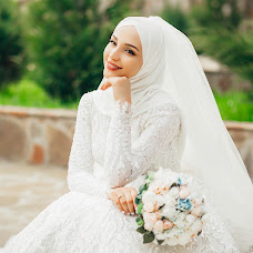Wedding photographer Toma Uzhahova (Toma). Photo of 10.05.2018