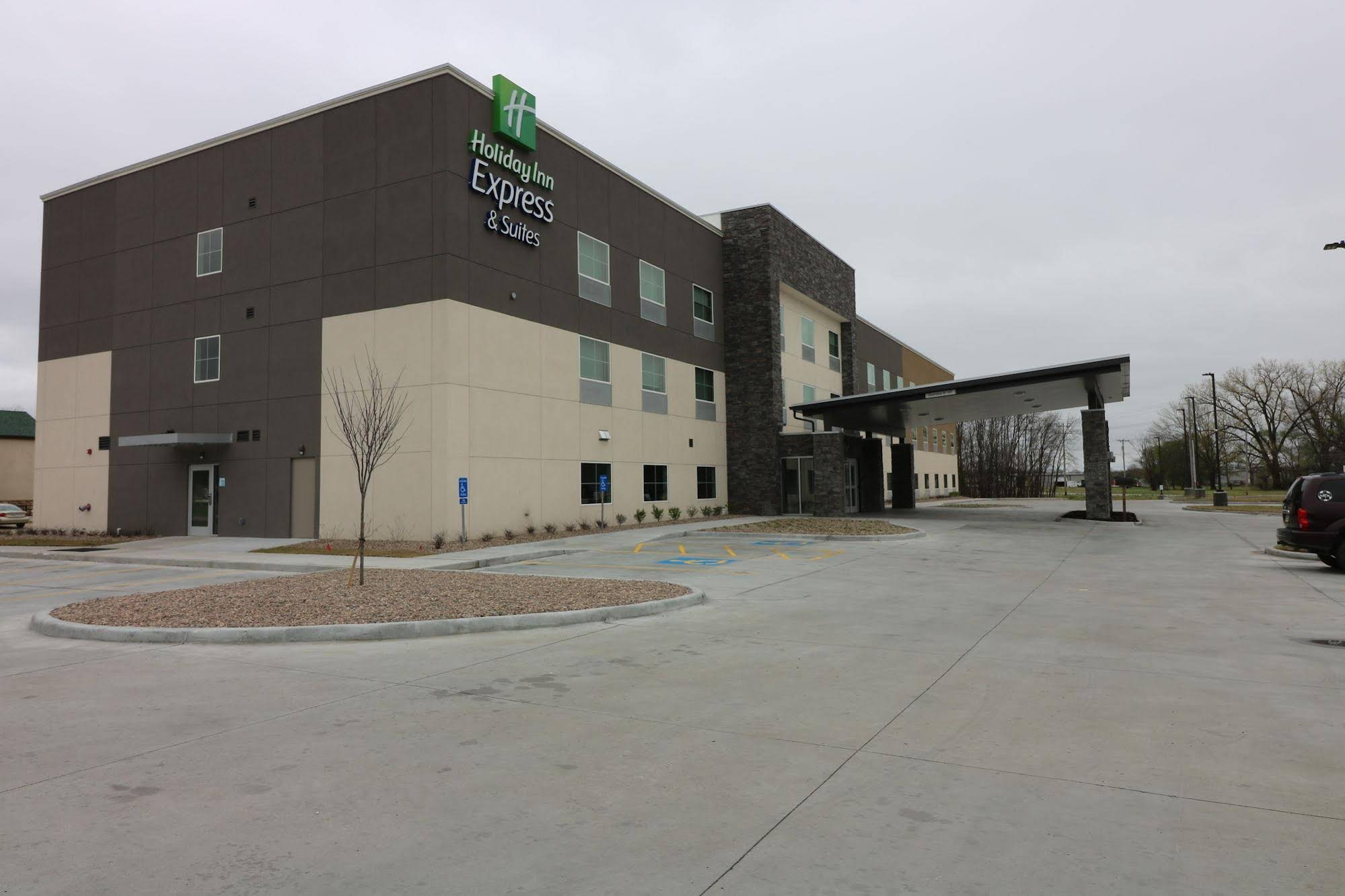 Holiday Inn Express and Suites Coffeyville