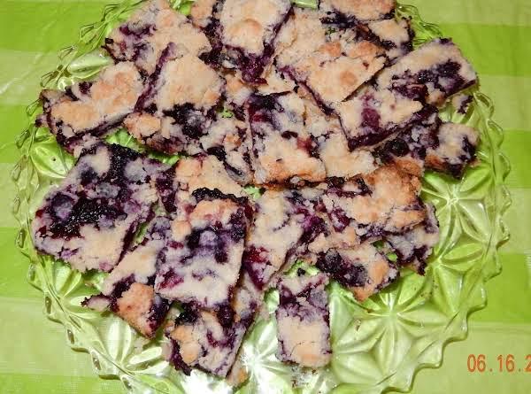 Mom's Blueberry Crumb Squares Recipe