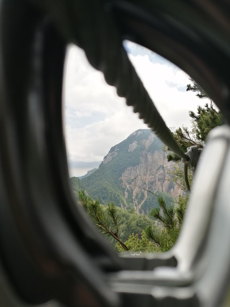 Ferrate, arrampicata e la montagna in generale di -Giada-