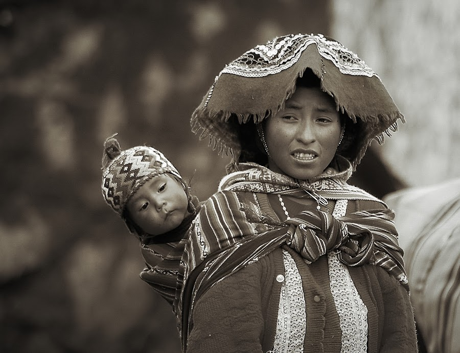Here I am too! by Marco Parenti - People Street & Candids ( sepia, peru, mother and child, street, children candids, candid, people, portrait )