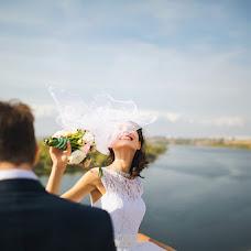 Wedding photographer Pavel Donskov (live-moments). Photo of 05.10.2014