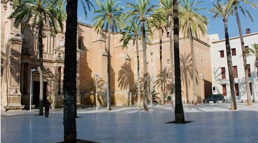 Llega una nueva luz para ensalzar la Catedral e iluminar toda la plaza