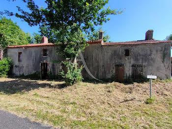 maison à Saint-Etienne-du-Bois (85)