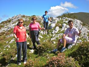 Photo: CONCHI, HILDA, ROSALIA Y NELLY, en el pico Nido de Utre 985 m.