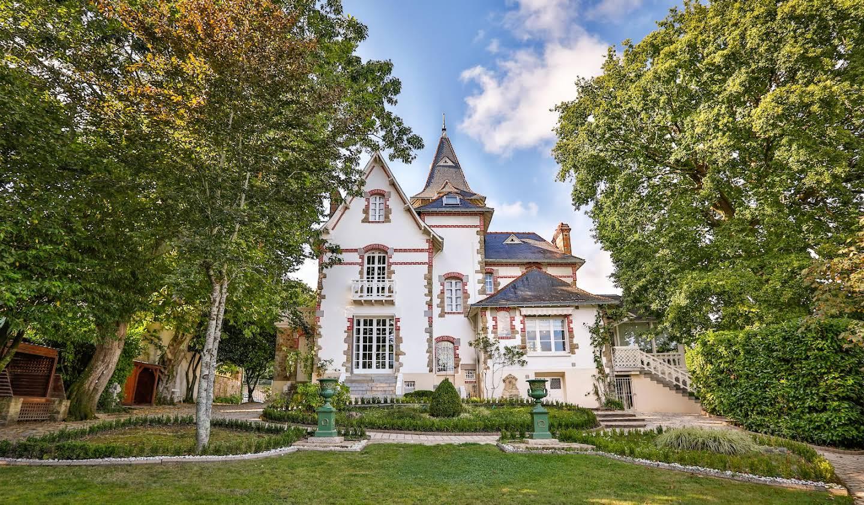 Seaside property and garden Auray