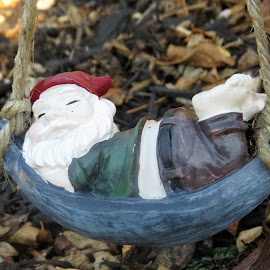 Nap time... by Maricor Bayotas-Brizzi - Artistic Objects Toys (  )