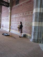 Photo: Nie zgadniecie, co ta dziewczyna grała: Suitę wiolonczelową Es-dur Bacha