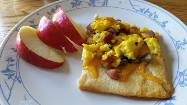 Easy Cheesy Mushroom,sausage, And Egg Pizza Recipe