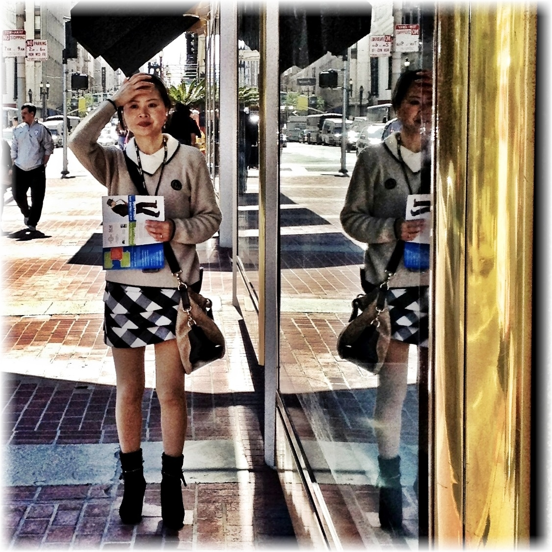 Photo: Mirror Image I love the hip fashion scene on the streets of San Francisco! Apps: Camera+, PicFX, Photogene2  #iPhoneography #streetphotography #SanFrancisco