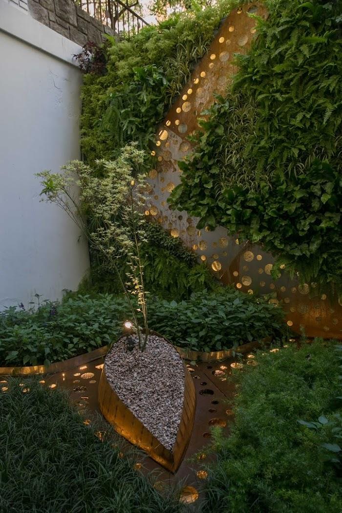 Casa FOA 2017: Patio interno Peek-a-boo - Fabiana Sambresqui