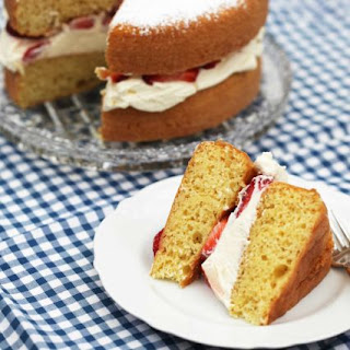 Strawberries and Cream Victoria Sponge Cake.
