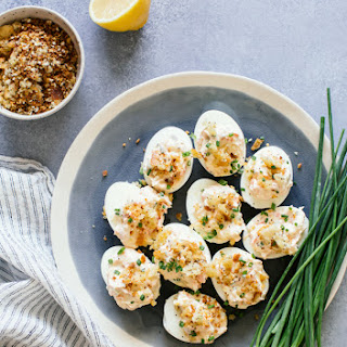 Smoked Salmon Deviled Eggs with Everything Bagel-Spiced Breadcrumbs