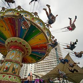 200712211035 by Steven De Siow - City,  Street & Park  Amusement Parks ( spinning, amusement park, amusement ride, amusement, fun )