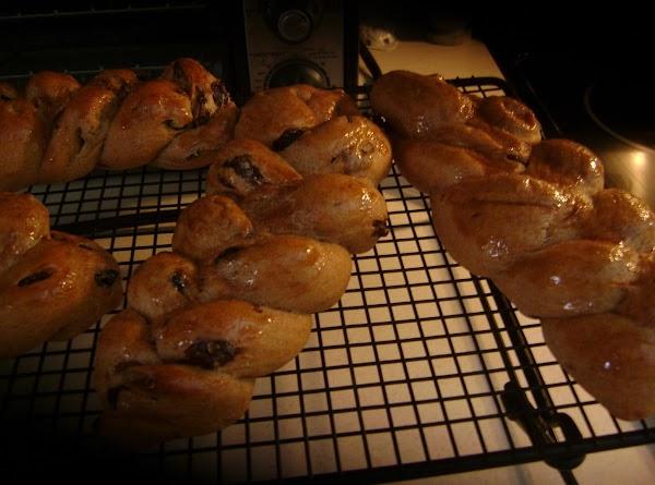 Cinnamon Raisin Braid Recipe