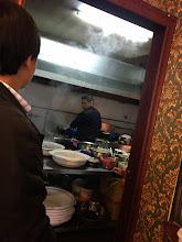 Photo: 海鮮鍋のお店で厨房まで覗きに行ってしまいました。