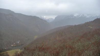 Photo: Vistas hacia el valle de Valdeón desde el mirador de Pandetrave