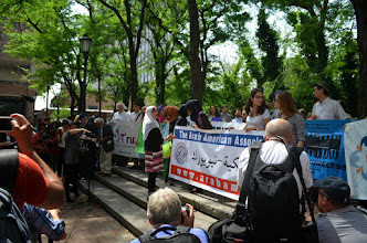 Photo: Organizing the crowds