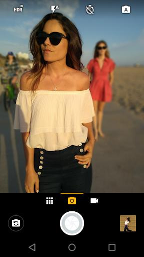 Moto Camera Varies with device screenshots 1