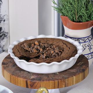 Butterfinger® Peanut Butter Cups Minis Pie